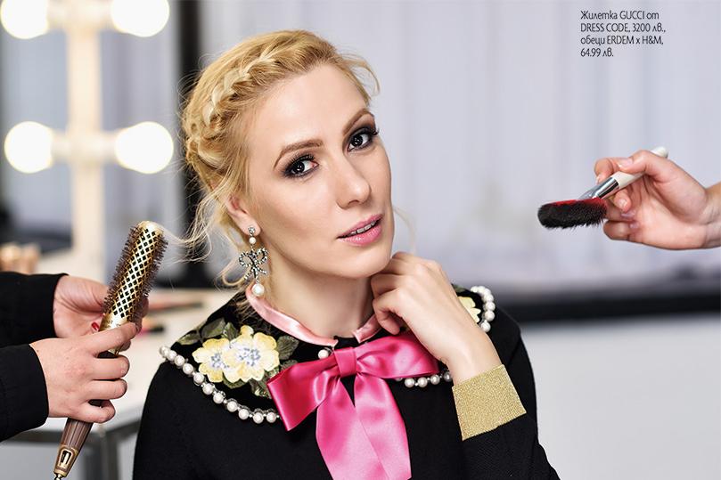 Актрисата Деси Бакърджиева в първата Instagram корица на списание ELLE bg.